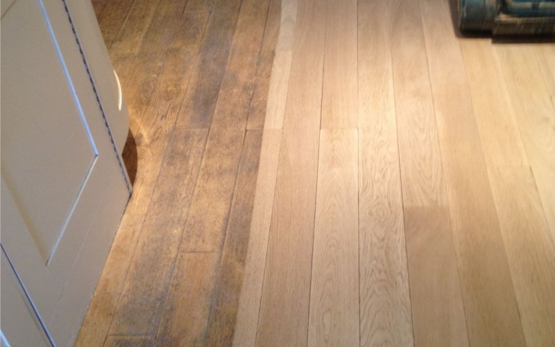 Sanding of Oak planks